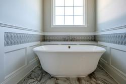 ar235-free standing tub