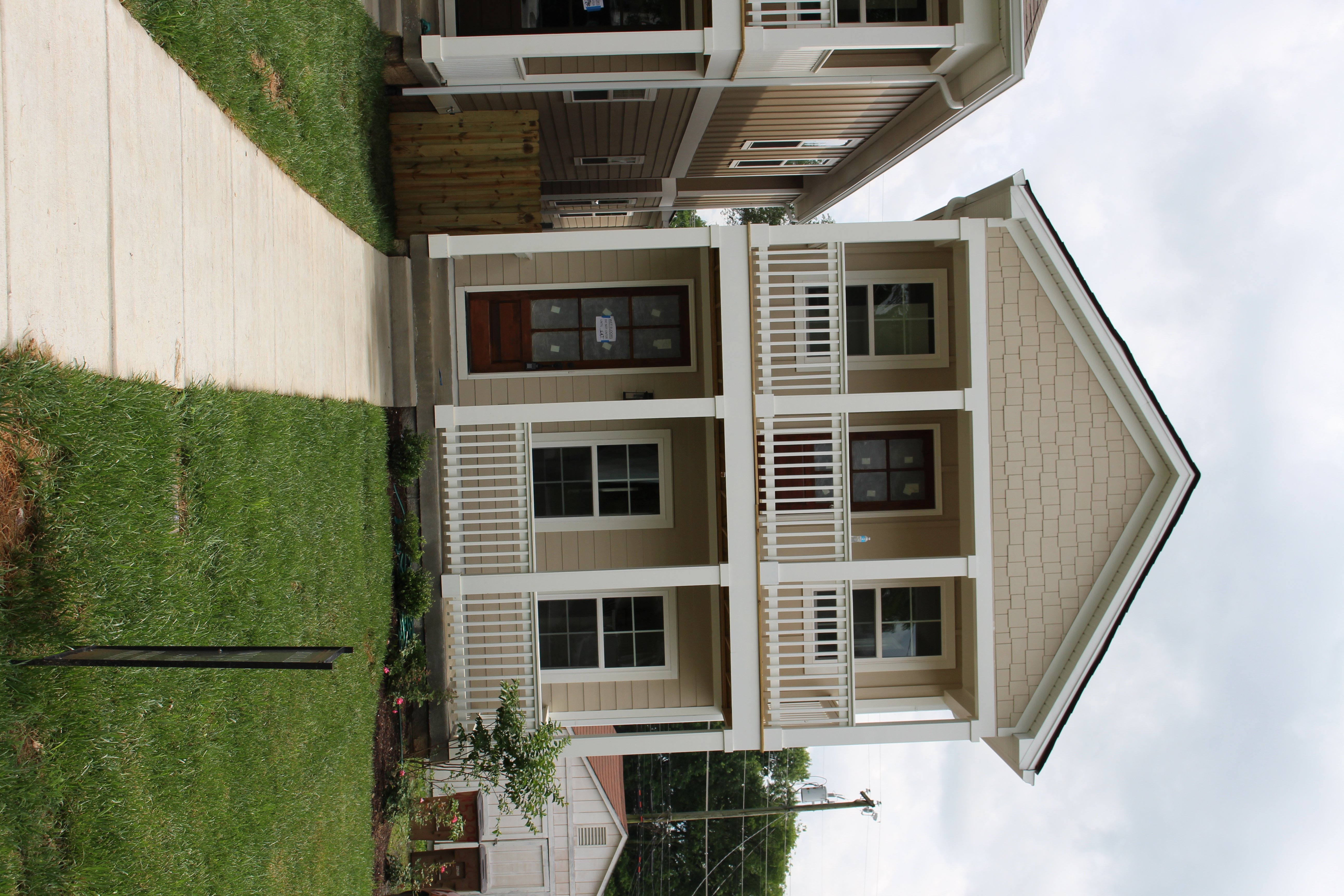 Louisiana Ave front of house