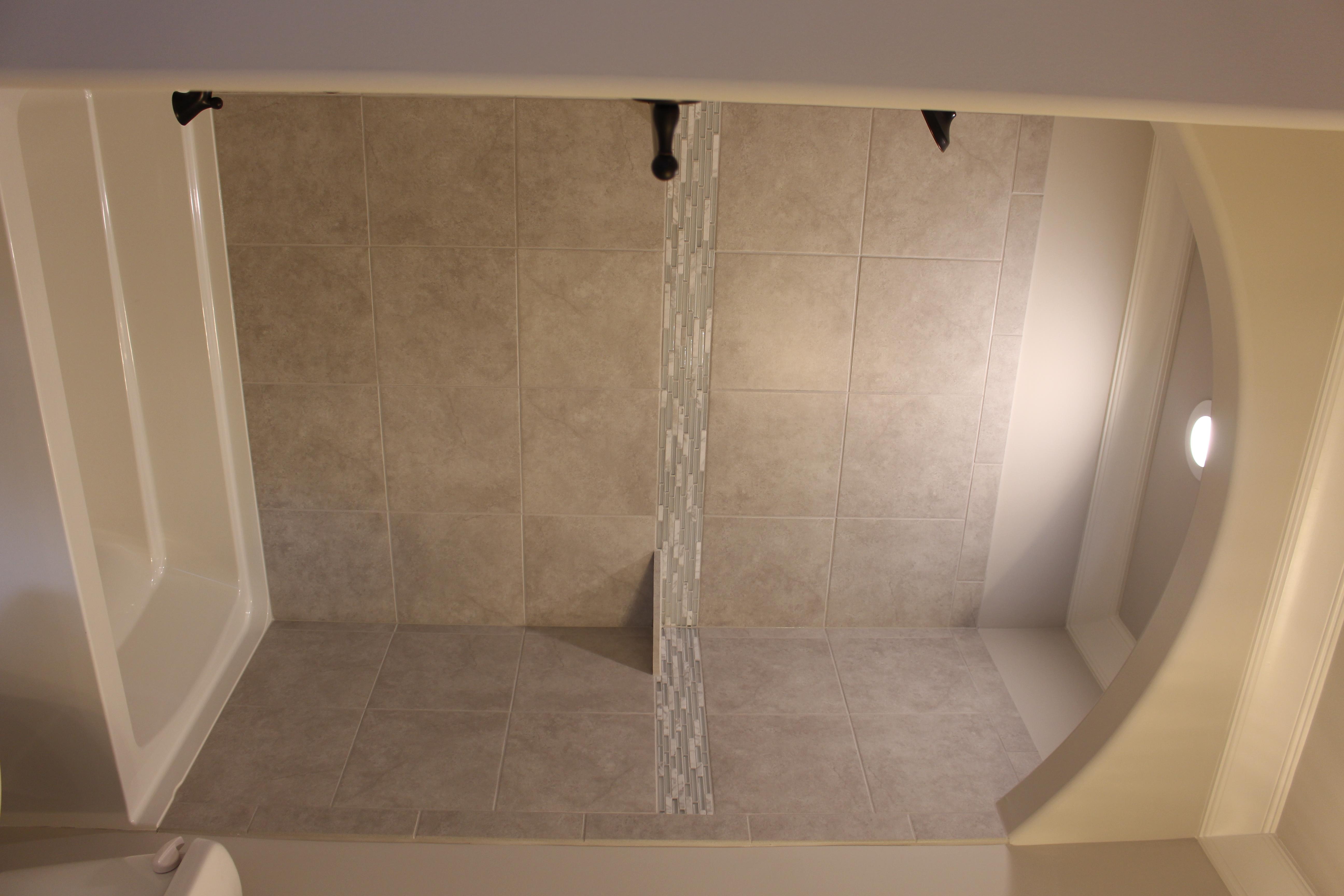 Lot 21 AB secondary bath tub