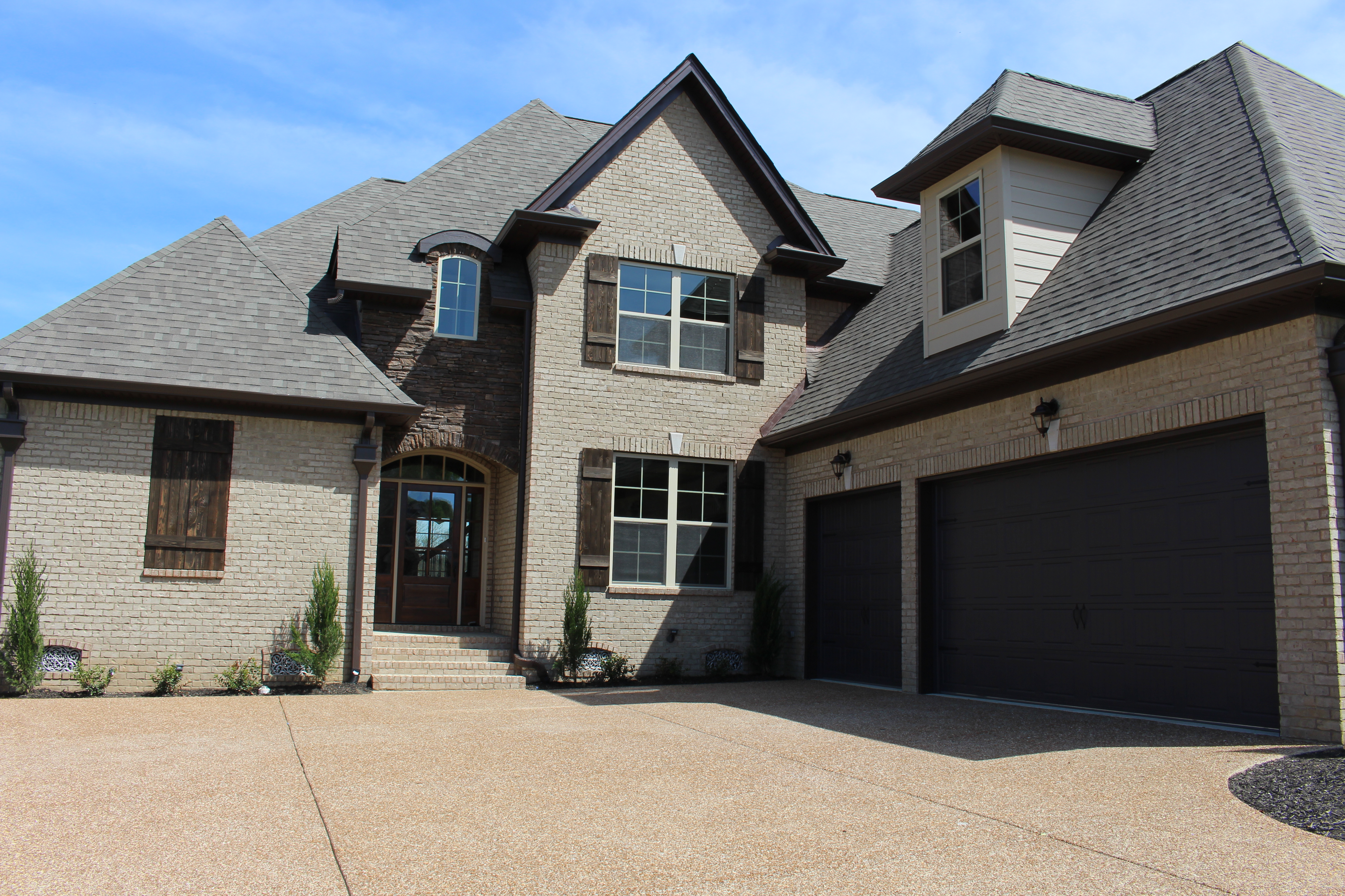 Lot 207 AR driveway front