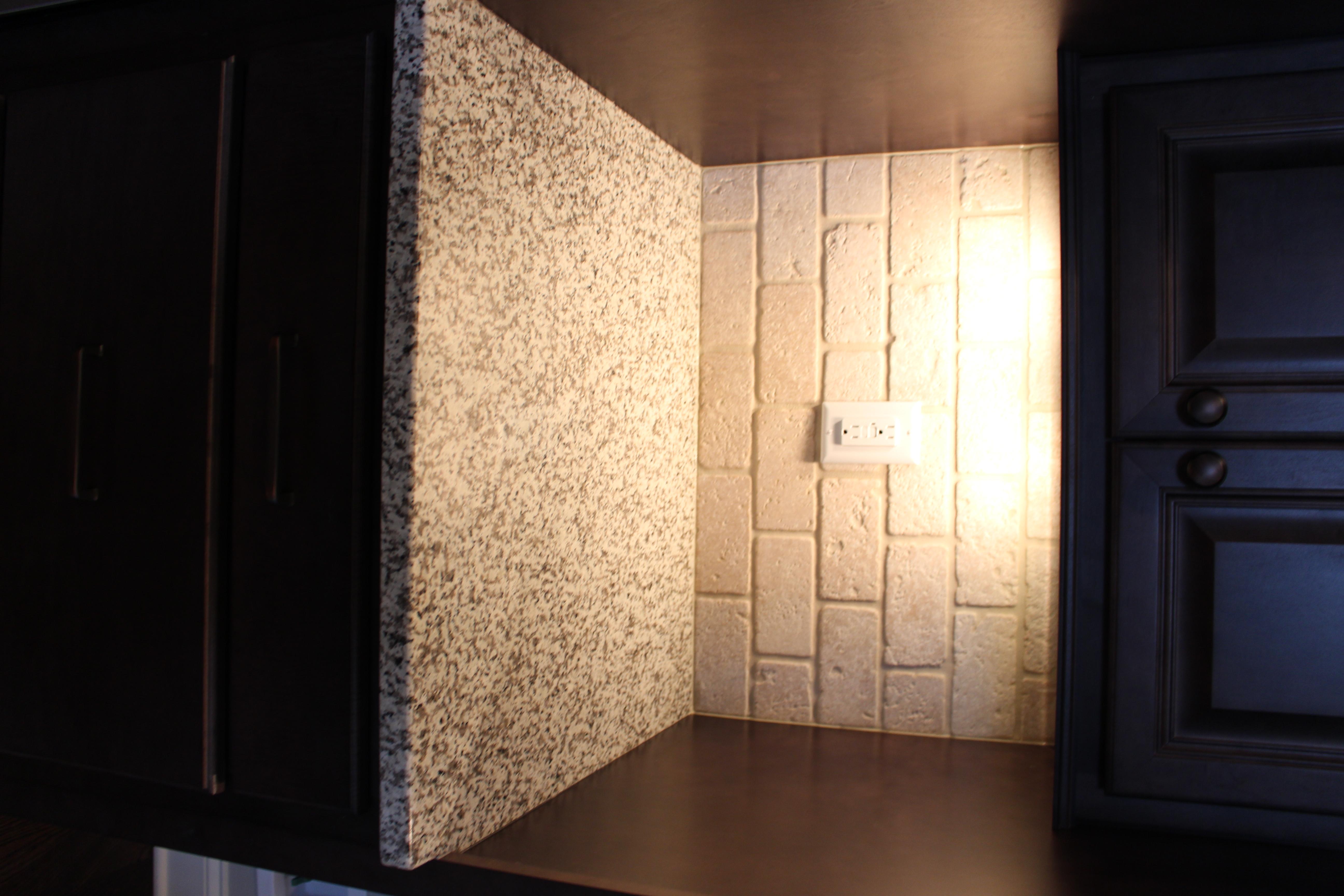 194AB kitchen granite-backsplash