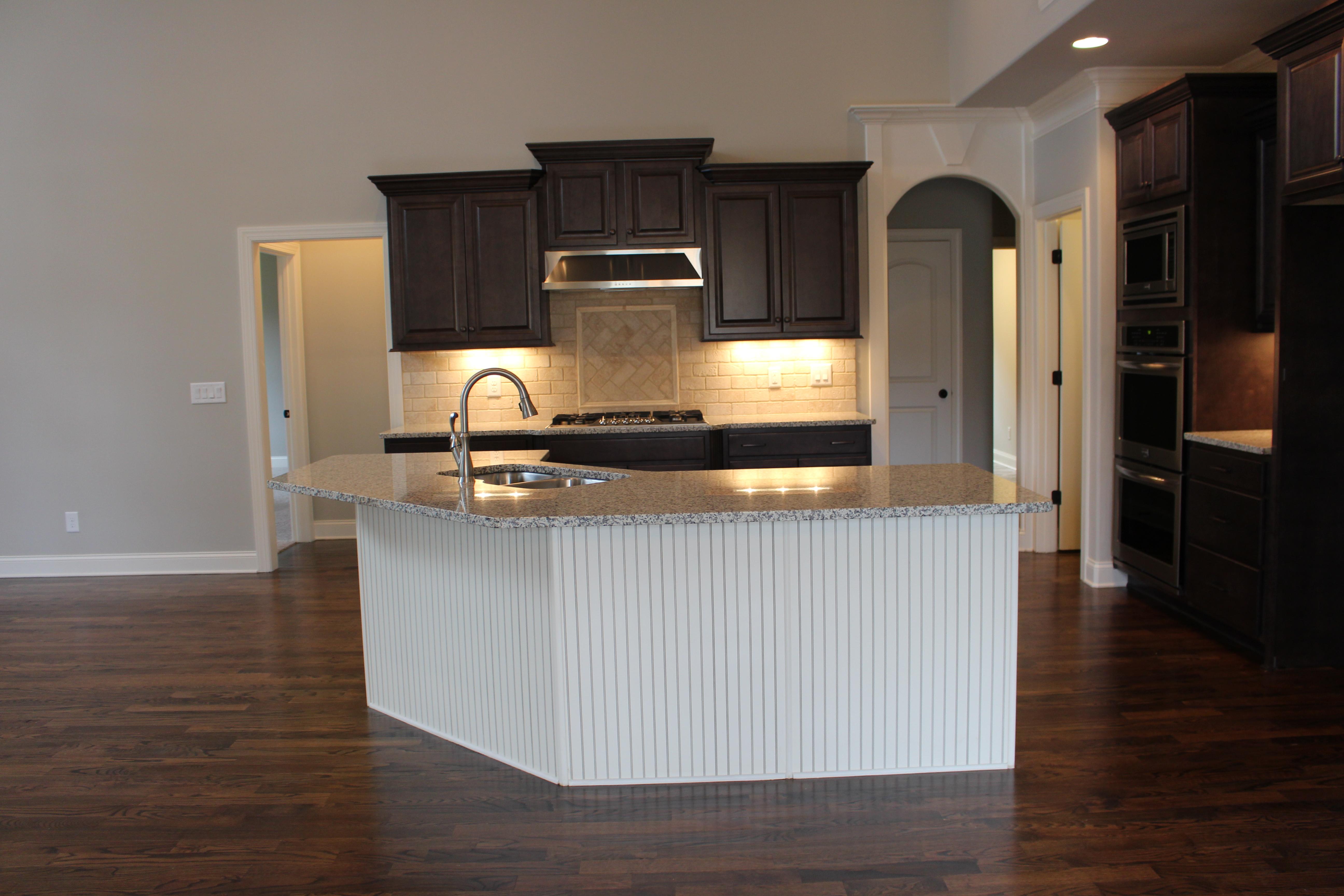194AB kitchen from breakfast area