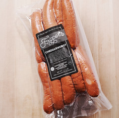 wholesale packaging: cheddarwurst