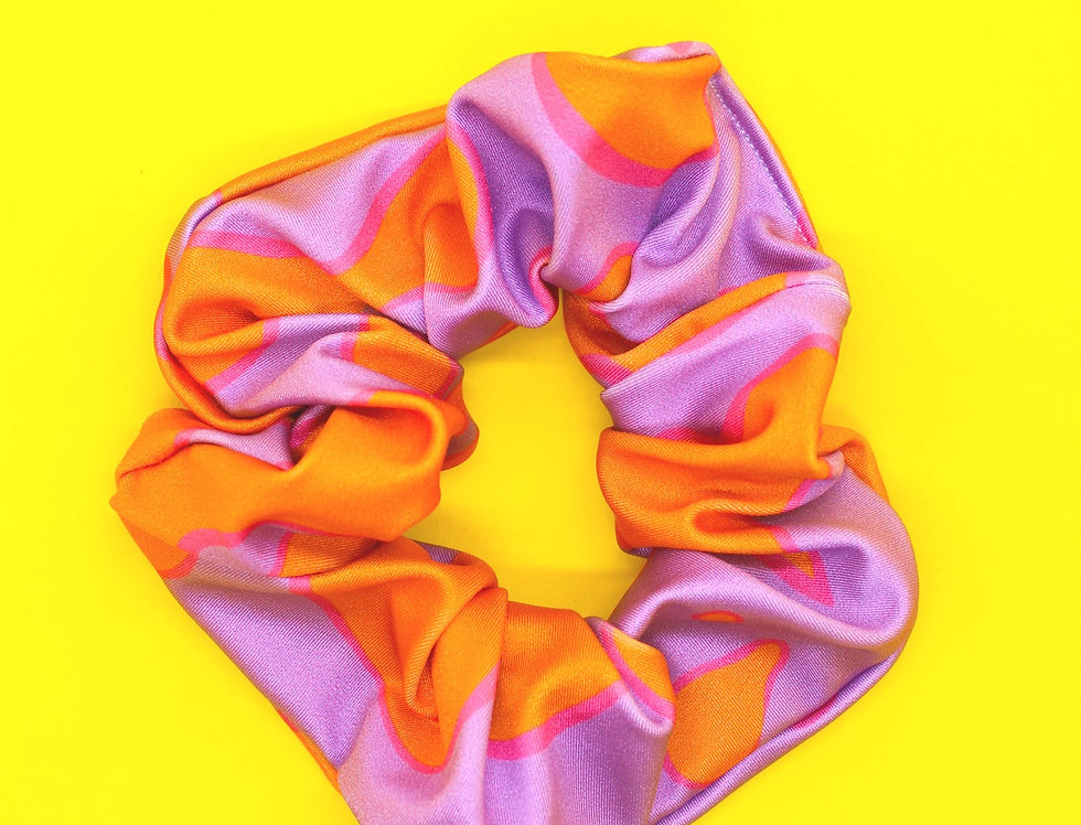 LAVA LOVE SPANDEX SCRUNCHIE