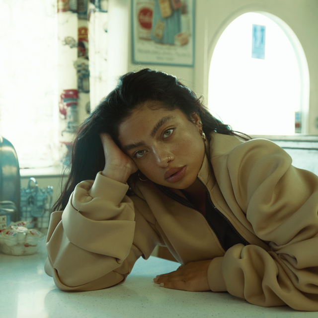 Kiana Ledé - Interview