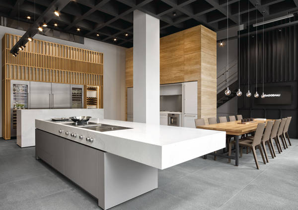 Große offene Gaggenau Küche