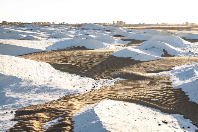 """Kalkablagerungen geben der """"Weißen Wüste"""" ihren Namen"""