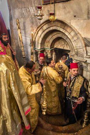 Eingang zur Grotte in der Geburtskirche Jesu Christi