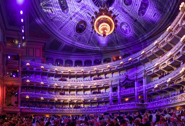 Der imposante Ballsaal der Semperoper