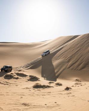 Fahrt durch ein unendliches Meer aus Sand, die Lybische Wüste