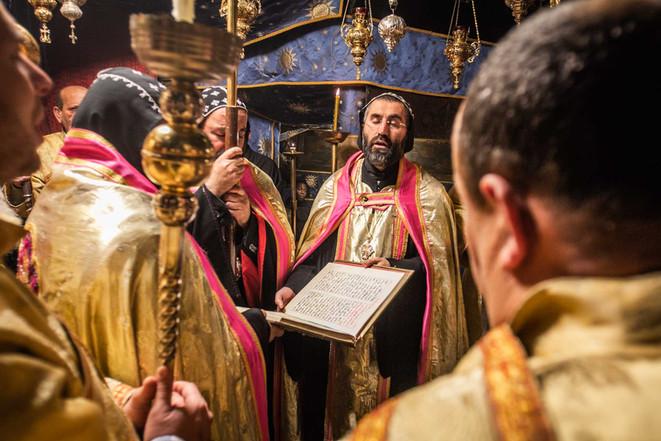 Gebete vor der Geburtsstelle Jesu Christi