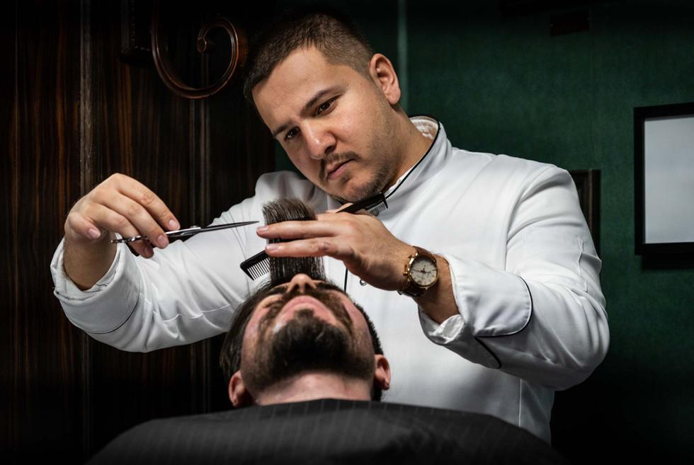 Maßnehmen beim Haarschnitt