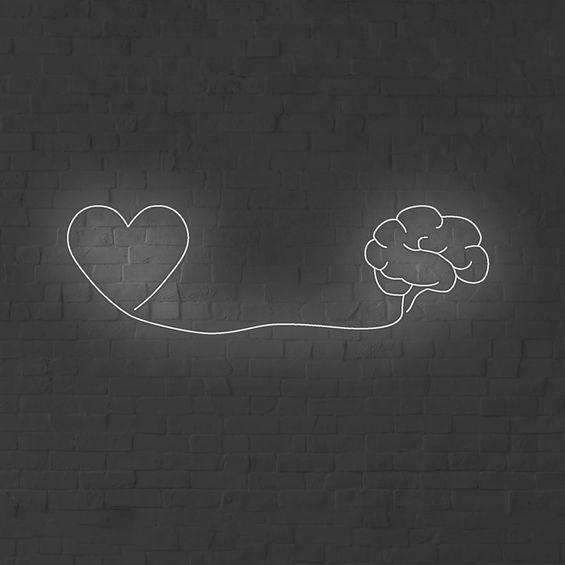 Heart-mind-neon2-01_edited_edited.jpg