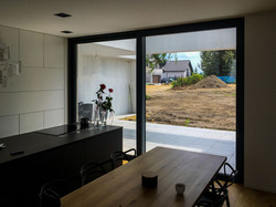 okna aluminiowe do kuchni ciepłe jasne ciche producent aluminium oknowent