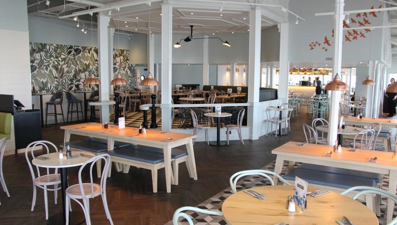 Brighton Pier - Palm Court restaurant.jp