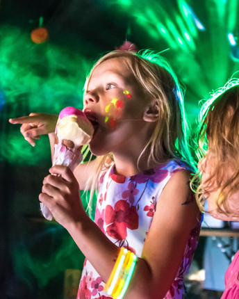Boho ice cream disco - photo Julia Claxt