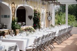 Wir haben am Abend an der Tafel Platz für über 100 Gäste...