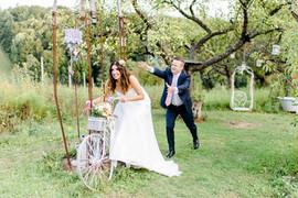Mit unserem Shabby-Dekofahrrad wird die Braut nicht weit kommen ;)
