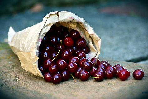 cherries-3522365_1920.jpg