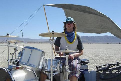 drummin2.jpg