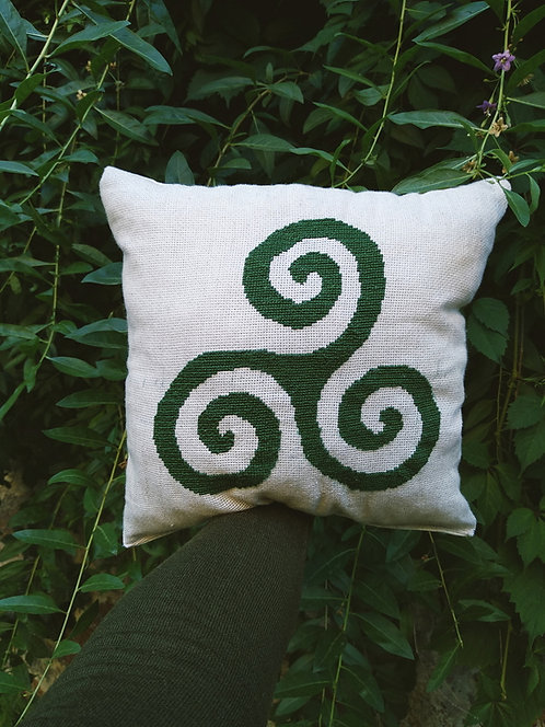 Triskele pillow