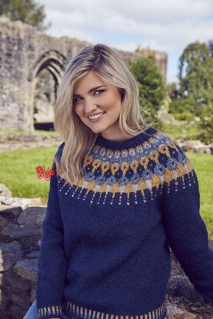Blue lopapeysa sweater