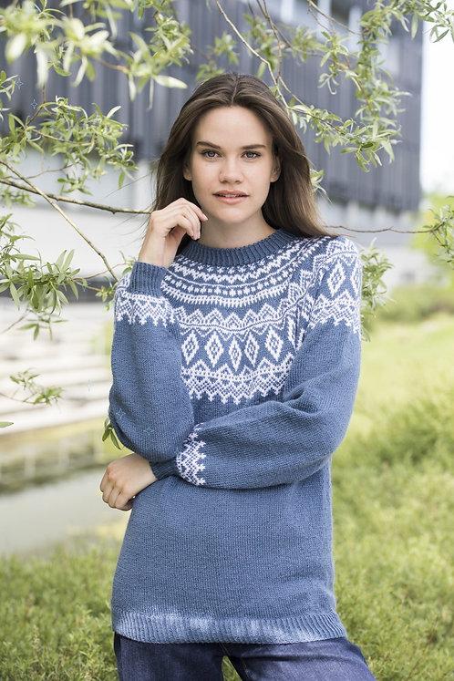 Blue sweater lopapeysa