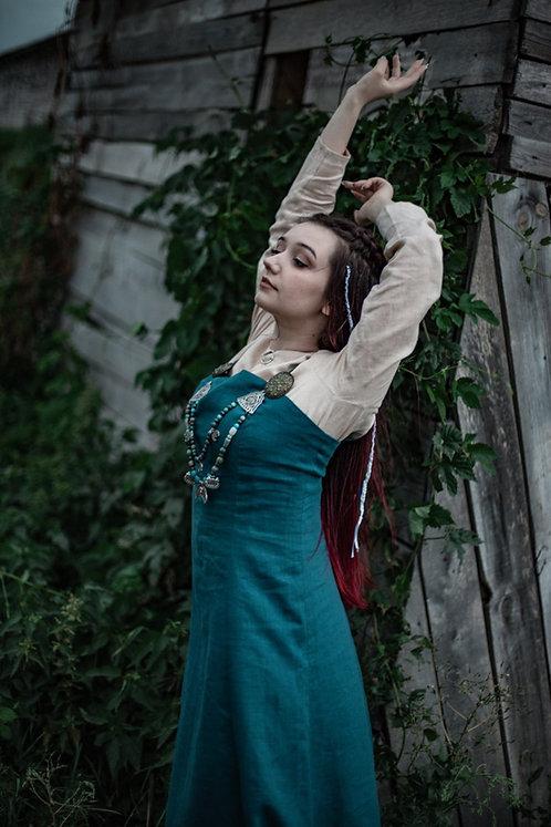 Linen dress and apron Viking era