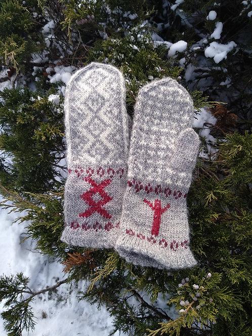 Runic mittens