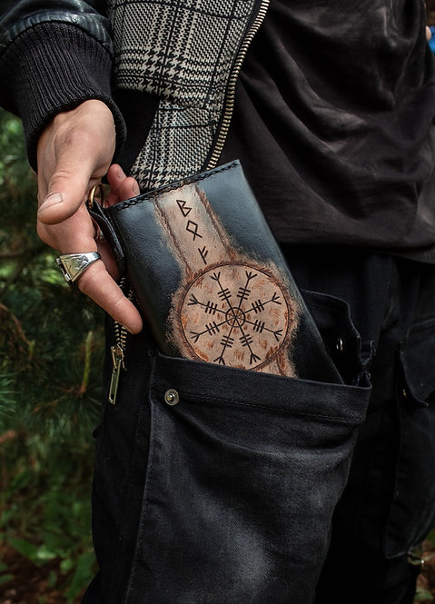 Helm of Awe Leather wallet