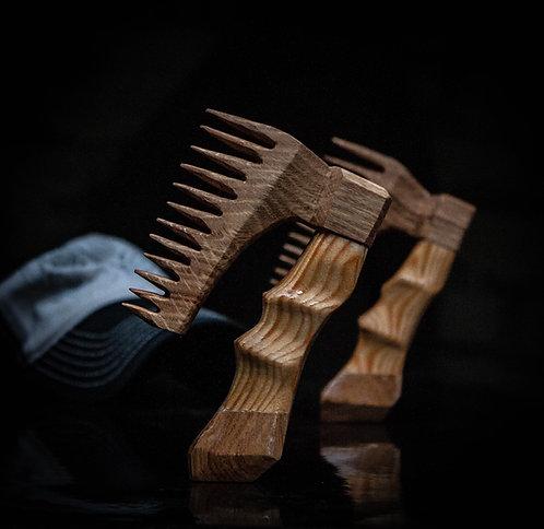 Comb axe