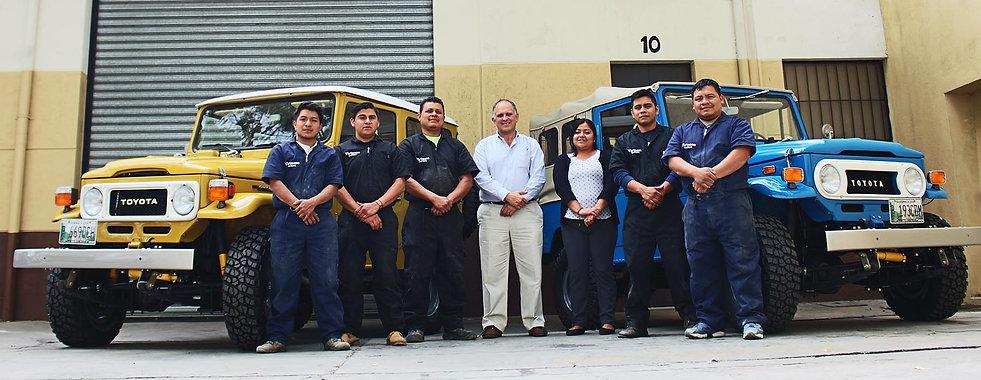 Toyota Land Cruiser restoraton team