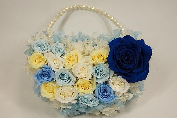 ブルーのバラのバックブーケ
