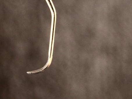 歯石を除去する器具