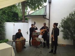 Alberto Garcia Trio w/ Oliver Pellet