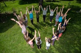 3844 Kid stretch circle.jpg