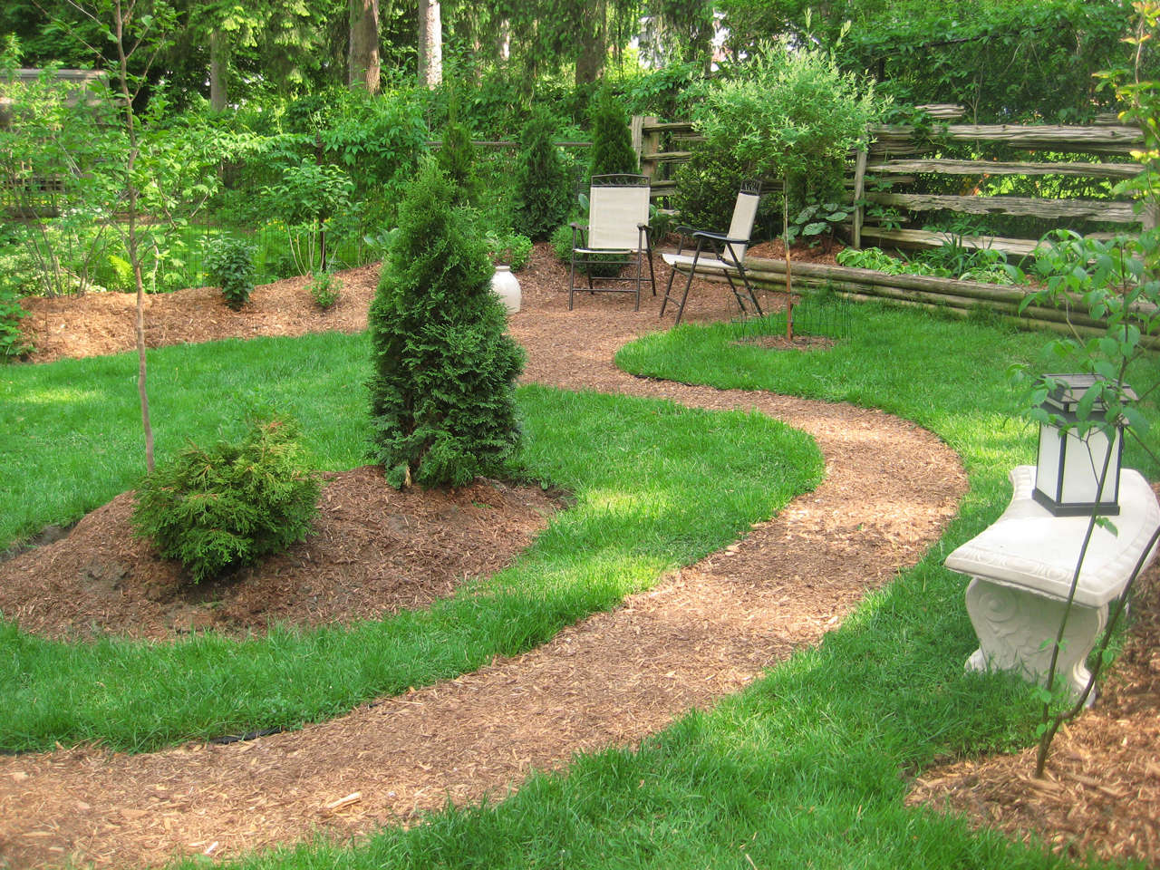 In-front-of-sitting-area-natural-landsca
