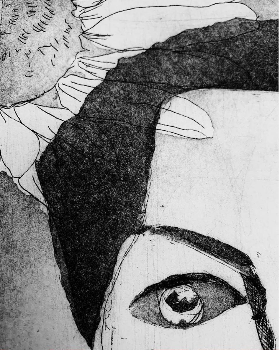 Bellis Perennis  -  Eye