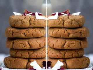 たった4つの材料でつくるピーナッツバターとココナッツの蕎麦粉クッキー