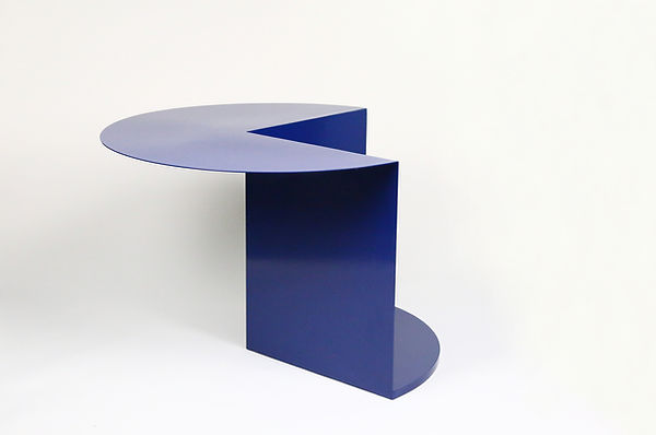 7_Cantilever-Table.jpg