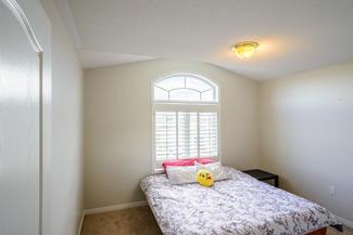Bedroom in Toronto
