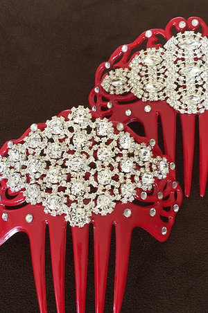 RED SOLEAR HAIR COMB / PEINETA W/CRYSTALS