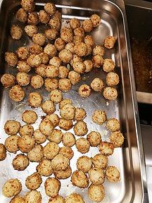 Pasta Et Cetera   balletjes aanbakken voor hapjes  foodtruck   mobiele pastabar   kruidenballetjes