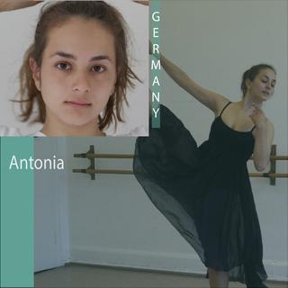 Antonia N.png