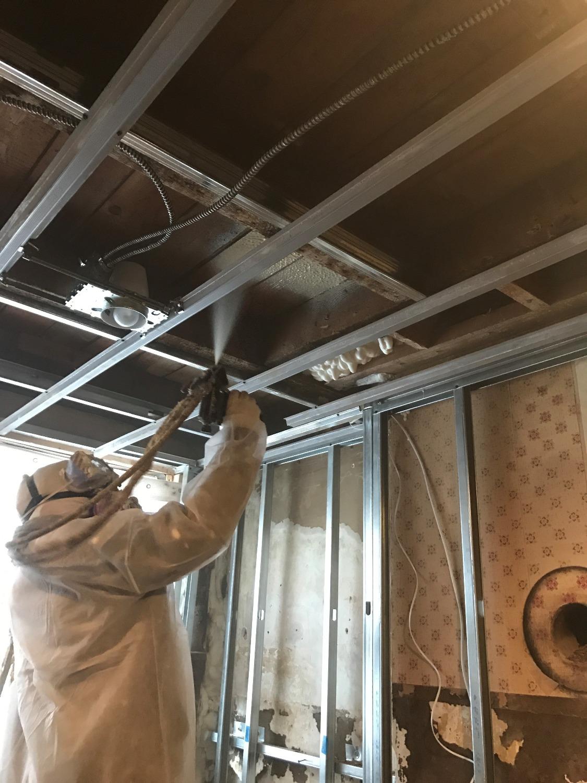 Spray foam ceiling_edited