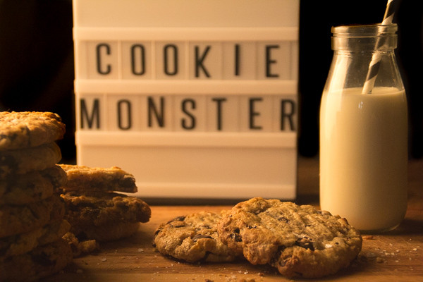 Dark Chocolate & Sea Salt Oatmeal Cookies