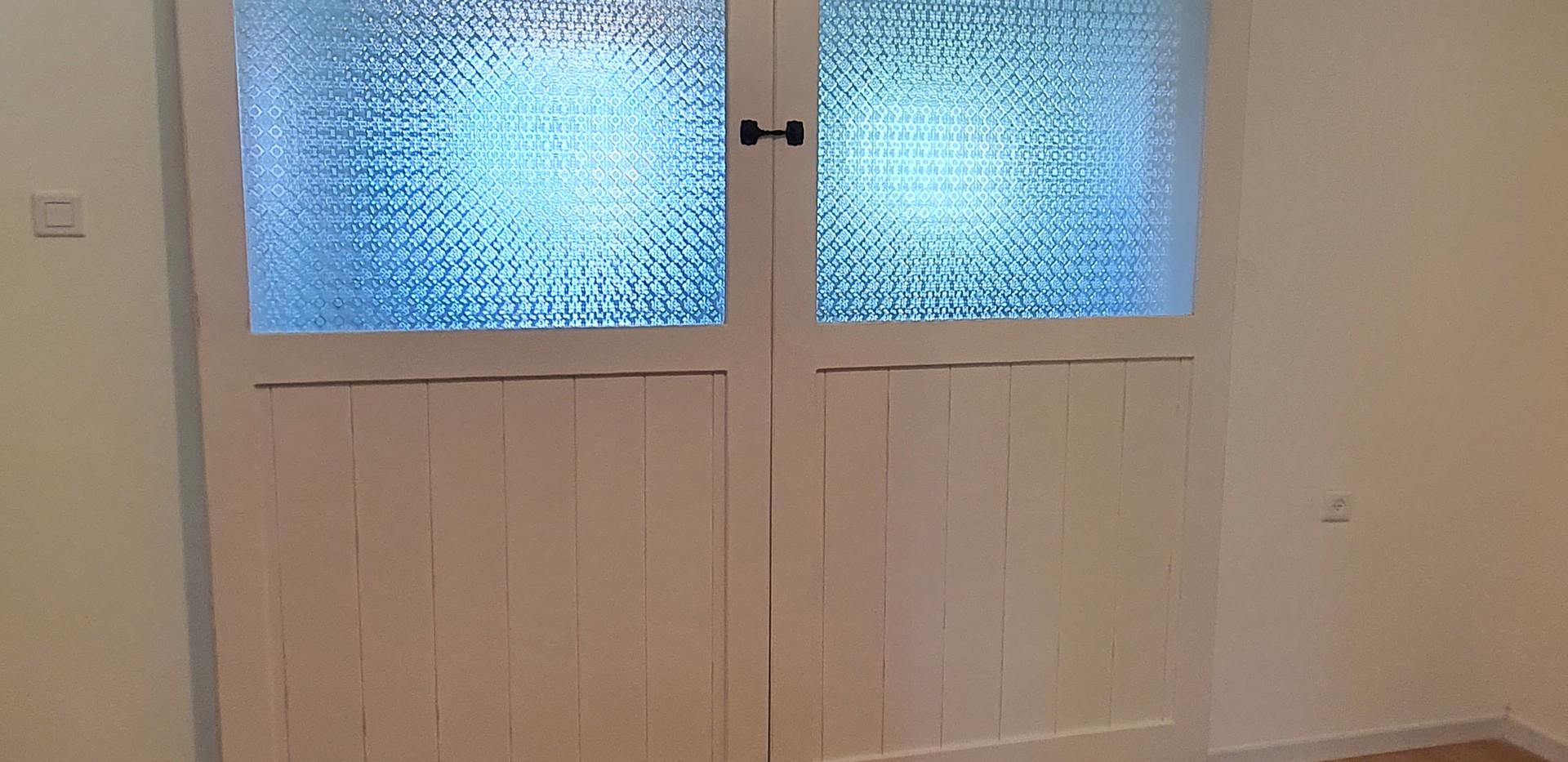סגירת פתחים על ידי דלת אסם