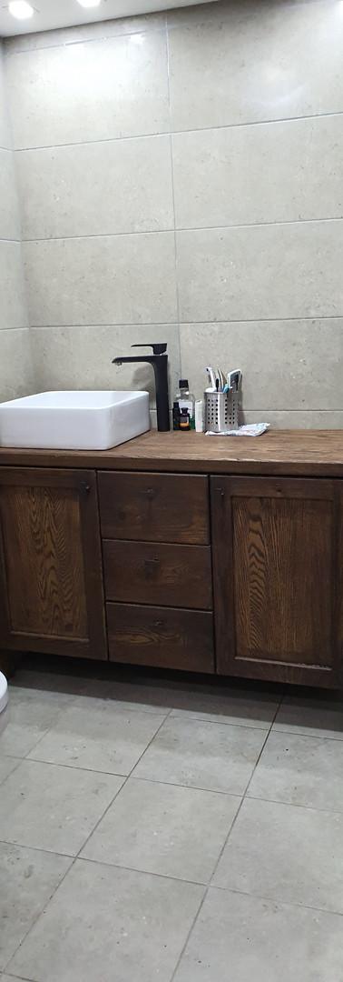 ארונית אמבטיה אלון גושני מוברש ומושחר