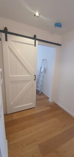 דלת אסם - פאנל חצוי עם אלכסונים