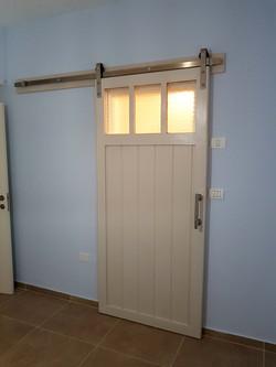 דלת אסם סגנון פרובנס